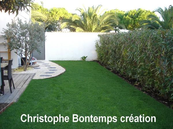 Création Jardin Carnon Gazon en plaques terrasse et gravier
