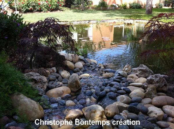 Création bassin, fontaine et gazon plaques