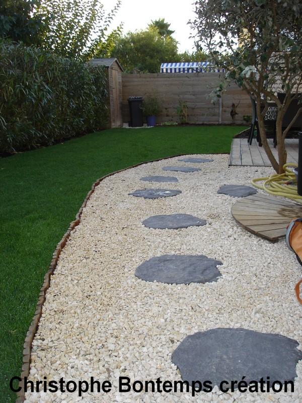 Création jardin Carnon gazon plaques et dallage